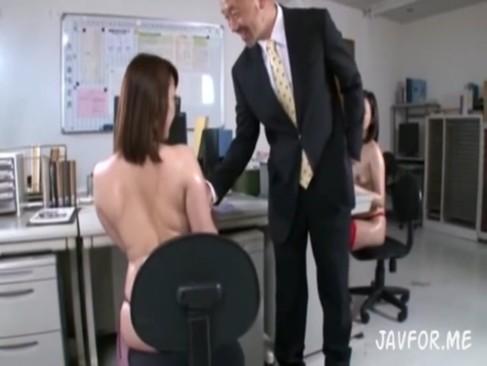 新人女教師2人が校長先生の言いなりで完全に性奴隷な件ww
