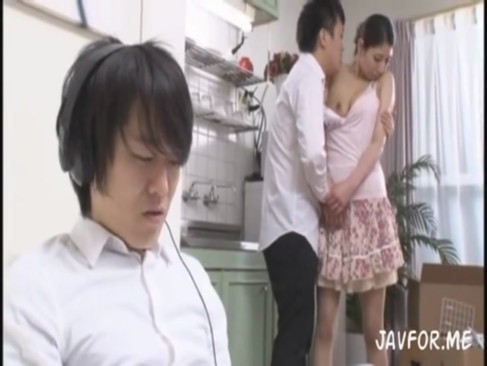 巨乳の素人女性の無料jyukujyo動画。       【巨乳奥さまがエッチなシーンを見せてくれるお宝映像】デカパイ奥さまが息子の友達とセックス