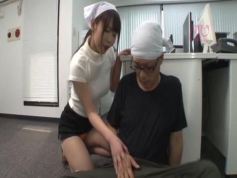パート先で男を痴女って溜まった性欲を発散させる巨乳人妻たち