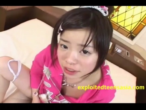 黒髪美少女ロリの瀬戸ひなたちゃんがおっさんに中出しハメ撮りされる