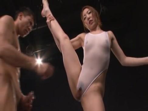 元新体操強化選手の内村りながデビュー作で魅せる軟体SEX!