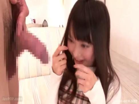 ロリ美少女の咲田ありながAVデビューで初めてのフェラに赤面しつつも喉奥まで咥えるw