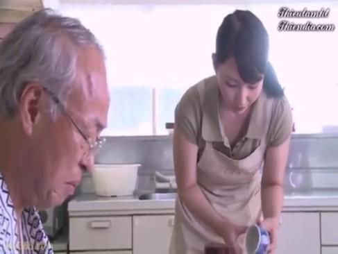 いい年こいて性欲旺盛なジジイに体を貪り食われる巨乳人妻