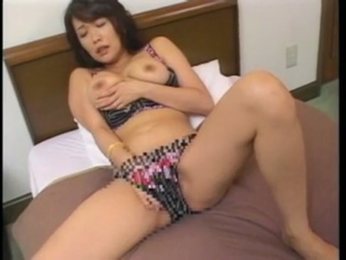 セックスレスで応募してきた素人人妻がハメ撮り&中出し!