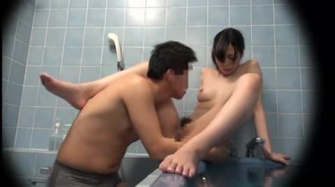 風呂に入っていたら弟が入ってきて姉と浴室で近親相姦プレイ