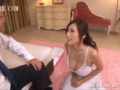 「熱ぅい・・・!」巨乳ソープ嬢のJULIAのご奉仕パイズリに膣内射精10万円!
