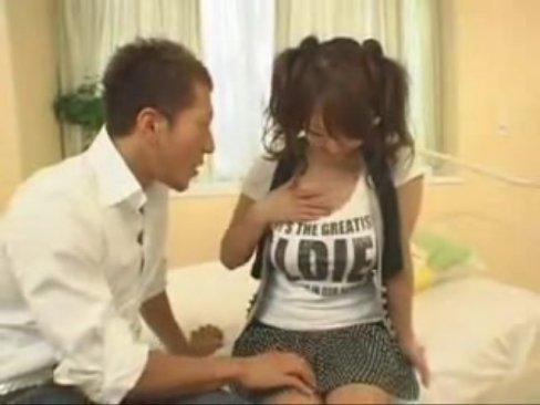 Tシャツがパツパツな巨乳パイパン娘のHitomiと激ファック!