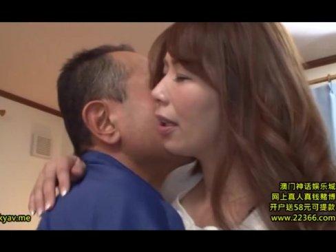 上品な顔した美熟女妻が義父と背徳の近親相姦でヨガり狂う!
