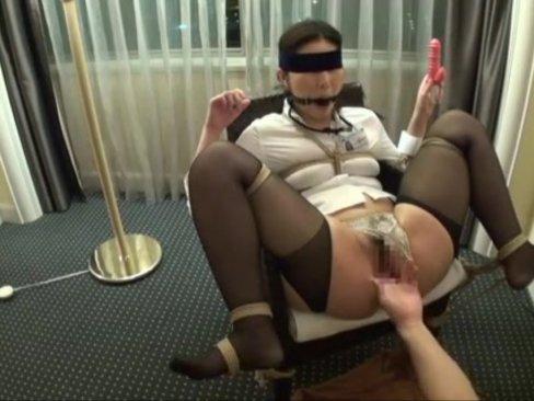 上品で美人な女医をスイートルームに連れ込み調教ハメ