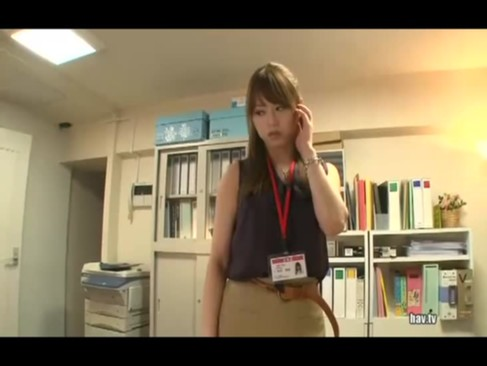 デカいチンポで犯される美人AV女優「吉沢明歩」が無理やりのSEXなのに感じまくり