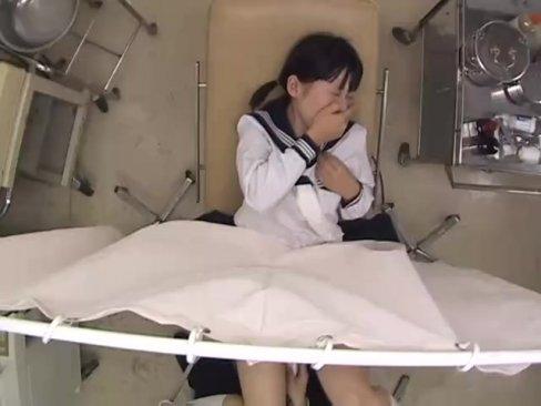 産婦人科に診察に来た美少女JKが悪徳医師にパイパンマンコに中出しレイプされまくるw