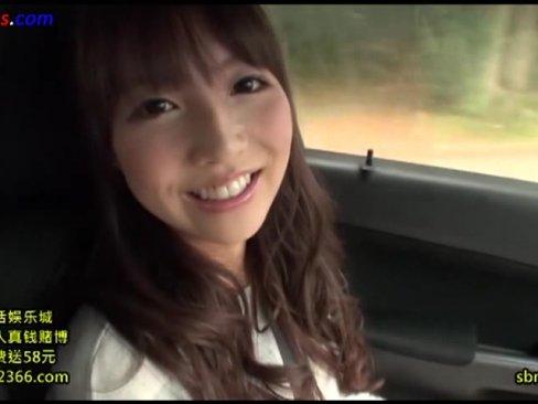 「おっきくなってきたよ・・・?」笑顔のかわいいロリ美少女彼女がキッチンでフェラヌキ!