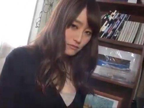 松●玲奈似の極上人妻が…カメラ目線調教受けてハメ撮り