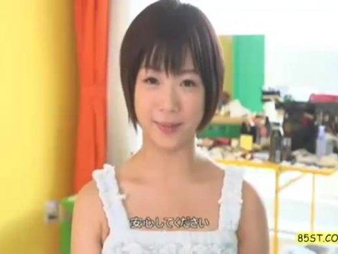 【女子校生 紗倉まな】ロリの殿堂・紗倉まなちゃんにJK制服着せてイチャイチャラブSEX