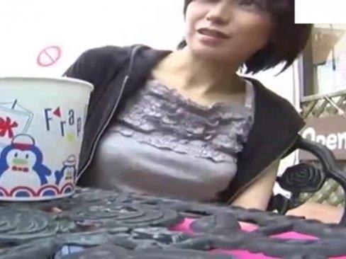 江ノ島でショートヘアが似合うボーイッシュ素人娘をナンパして即ハメ撮り成功