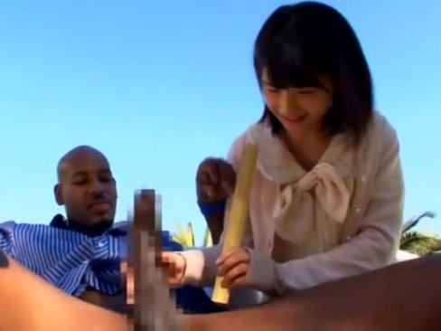 ロリカワイイ制服美少女が黒人ちんぽに突かれて絶頂体験