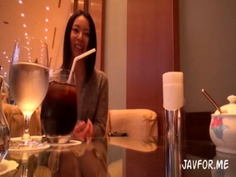 色気ムンムンの素人美熟女ナンパ!ホテルでガチピスぶっかけ絶頂!