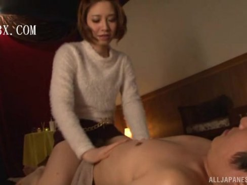 【お姉さん】美女エロマッサージ師がペニスを求めてきたので素直に挿入騎乗位!