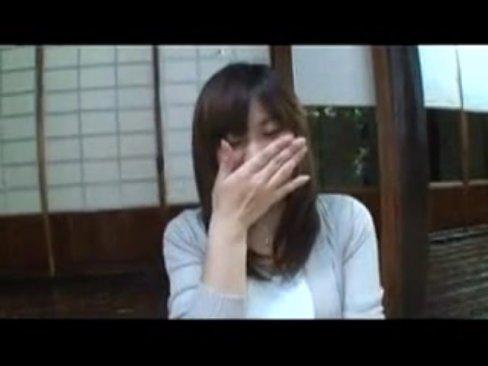 【素人】ガチな美人人妻が…不倫ハメ撮り旅行でSEX三昧!