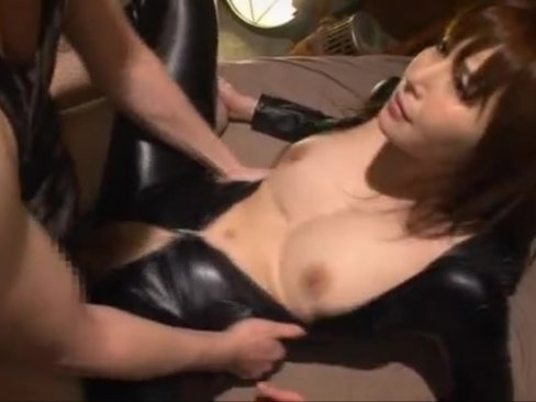 【巨乳】束縛された巨乳おっぱいボディの女を吐かせる為電マ責めし続ける