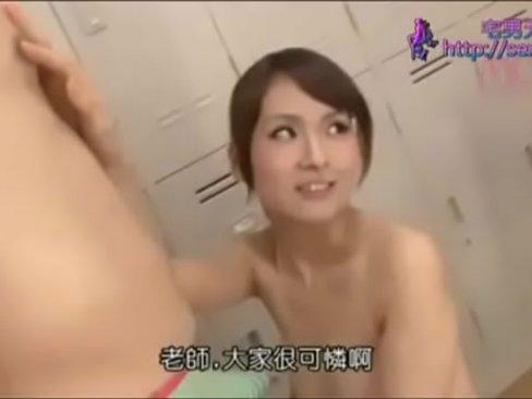 【お姉さん】美女教師がロッカールームで生徒ペニスを次々誘惑ハメっ!