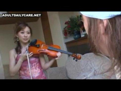 ヴァイオリニストの芦屋美帆子先生にヴァイオリン弾いてもらったままパコるw