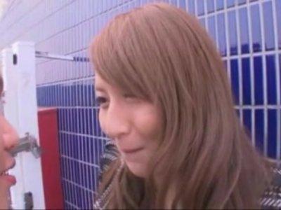 希崎ジェシカちゃんがエロ可愛すぎたから屋上で立ちバックしちゃった