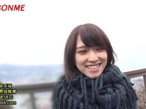 ショートヘアが可愛すぎるロリ美少女・椎名そらちゃんの野外フェラチオ