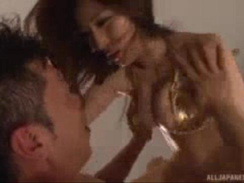 【巨乳】巨乳おっぱい淫乱痴女JULIAさんとと汗だくSEX→お掃除フェラチオまでw