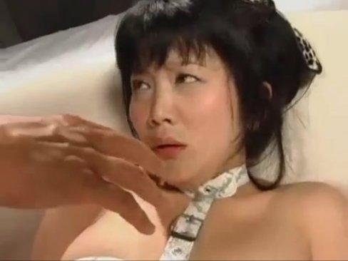 日高ゆりあ四肢拘束されて目隠し乱交プレイ→M性覚醒で口内ぶっかけ
