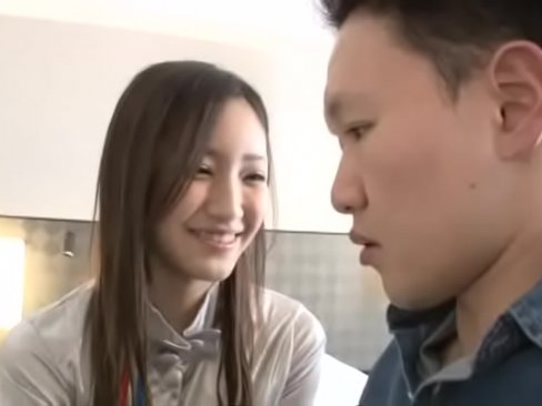 美乳スレンダーな桃谷エリカと一日生ハメツアー