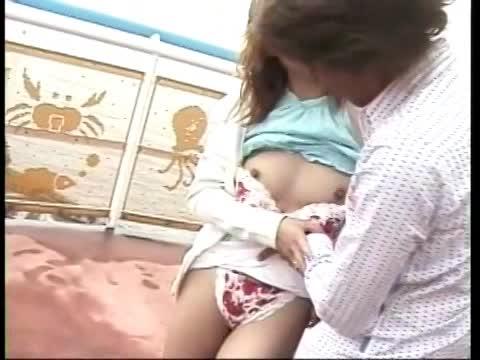 【javynow】ナンパ待ちのビッチ水着ギャルにたっぷり精子ぶっかけ