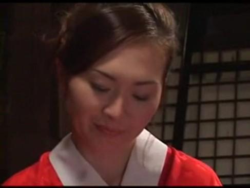 【javynow】兄と妹、母親東条美菜と妹が蔵で乱れ合う屈折愛情一族の近親相姦