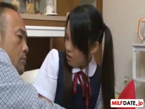 【javynow】父親の浮気を追求し脅迫する実娘→母親に内緒で肉棒を求める痴女っぷりw