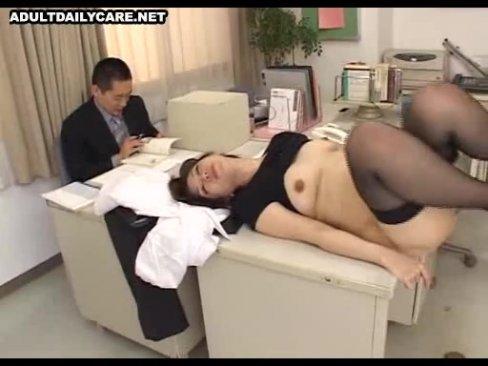職員室で生徒にレイプされてしまった女教師翔田千里