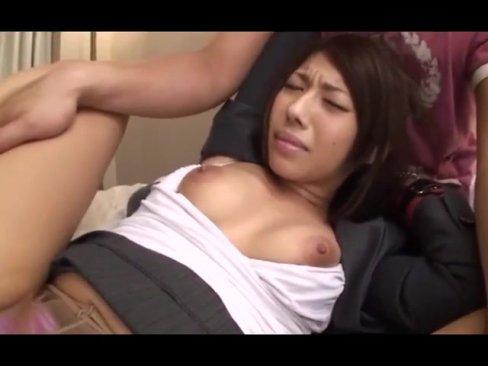 【OLエロ動画】美人OLのパンスト破いて二人の男がハメまくるw