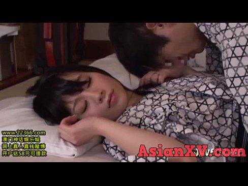 【巨乳】友達の彼女がノーブラ浴衣で寝てたので夜這い決行してみた結果→www