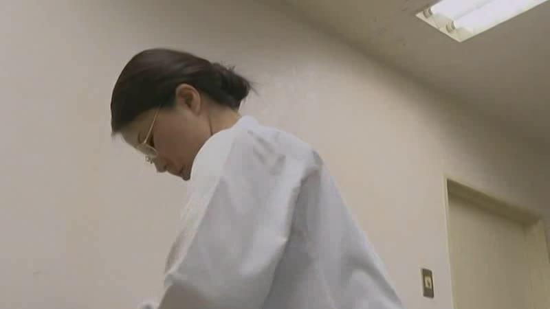 患者の精子を搾り取る変態女医w
