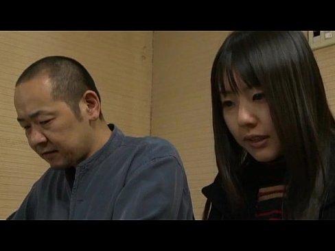 【レイプ】義父に近親相姦レイプされる19歳の娘
