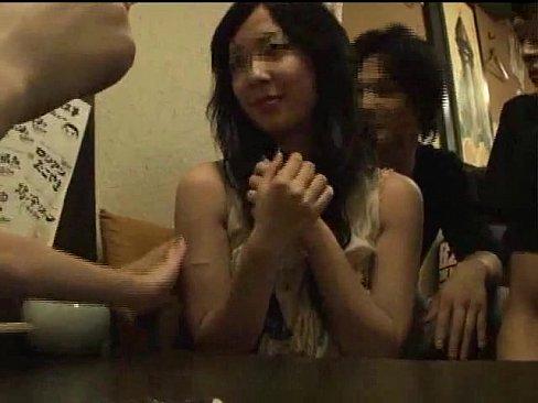 【お姉さん】慶●大学ヤリサーに巨乳ちゃん登場!もちろん即ハメ乱交開始w