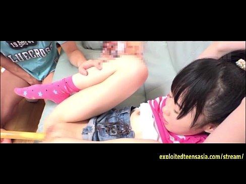 【ロリ】全剃り美少女が近所の悪ガキたちから連続挿入