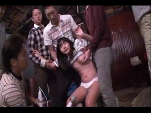 【調教拉致 エロ】ロリの素人女性の調教エロ動画無料。貧乳ロリ娘が山奥に拉致られ肉便器調教!