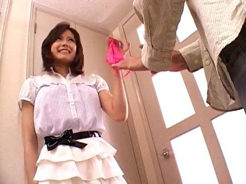 「あ!w私のブラみたでしょぉw」兄貴の彼女が誘惑してきて内緒のフェラチオ奉仕してくれた