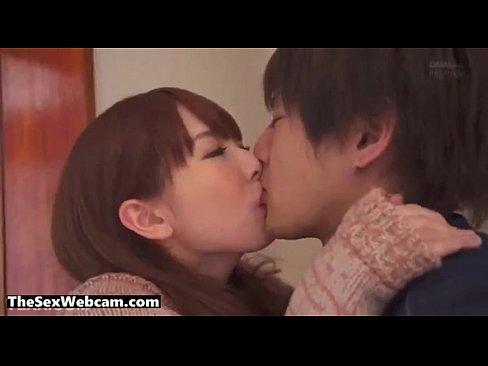 ai○o似の美巨乳お姉さんが彼氏の兄を痴女キス→なし崩しハメで生中出し!