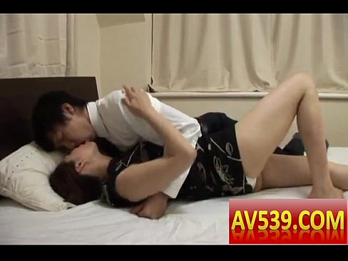 四十路の美熟女、松嶋友里恵が69で燃える浮気セックス!