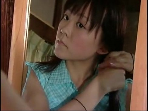 まいんちゃん似の美少女が押入れに隠れてオナニー→義父に見つかり近親相姦に!