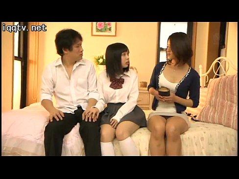 「この前してから我慢ができないのッ」娘彼氏の肉棒を懇願する欲求不満妻、杉崎千佳
