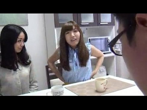 「最近してないなぁ、若い男の子でも捕まえる?w」欲求不満妻たちが近所の山田君と3Pパコ