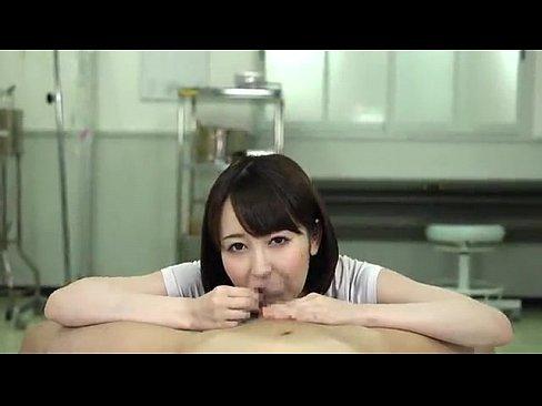 篠田ゆうの頬を凹ますチンポに吸い付く本気バキュームジュポフェラ