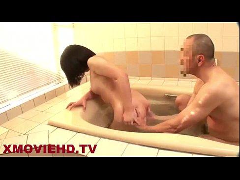 ムチっ子少女さん‥親戚のオジさんに逆らえずお風呂で中出しされる